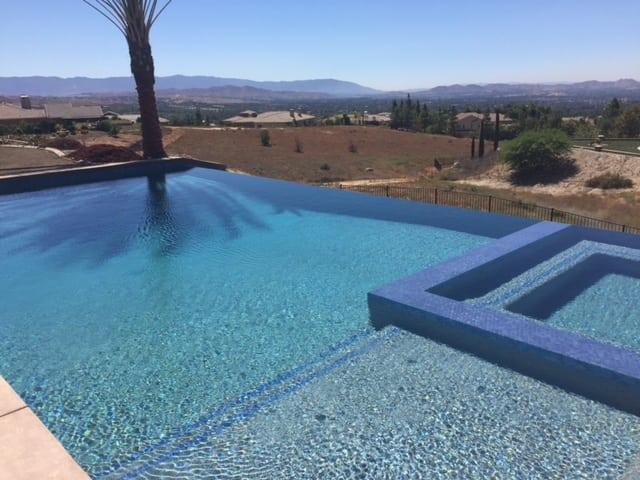 New Pool / Vanishing Edge